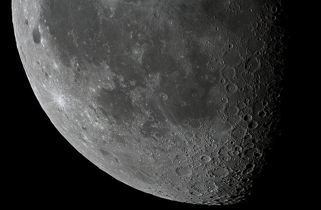 Moon_002238_SIPS_2-2.jpg