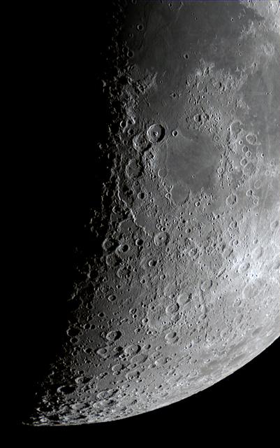 Moon_203829_D120SI-2.jpg